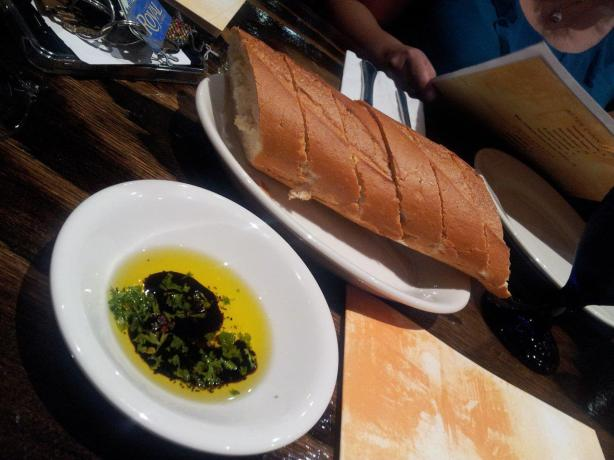 la cucina bread and oil
